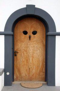 Установка входных дверей — основные вопросы